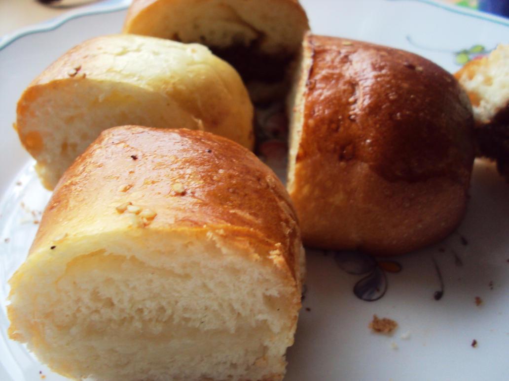 yummy bun~ by ailaahdo