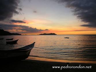 atardecer en Rio Caribe by pedrorondon
