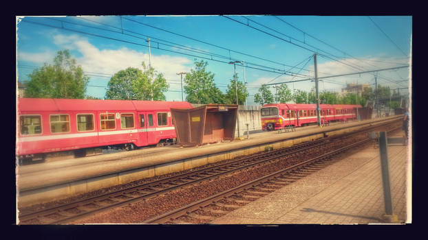 Waiting for the train in Halle, Belgium
