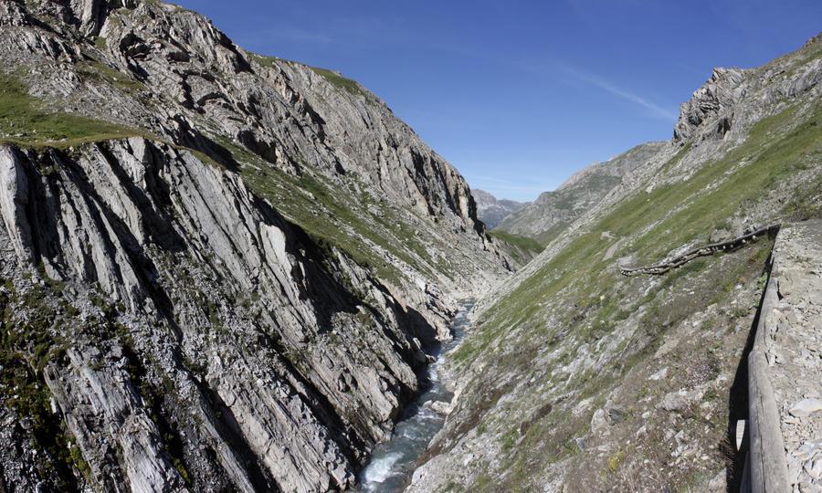 Gorges du Malpasset by angelofdisaster