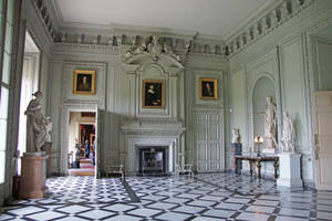 DSC00583ps Petworth House by VIRGOLINEDANCER1