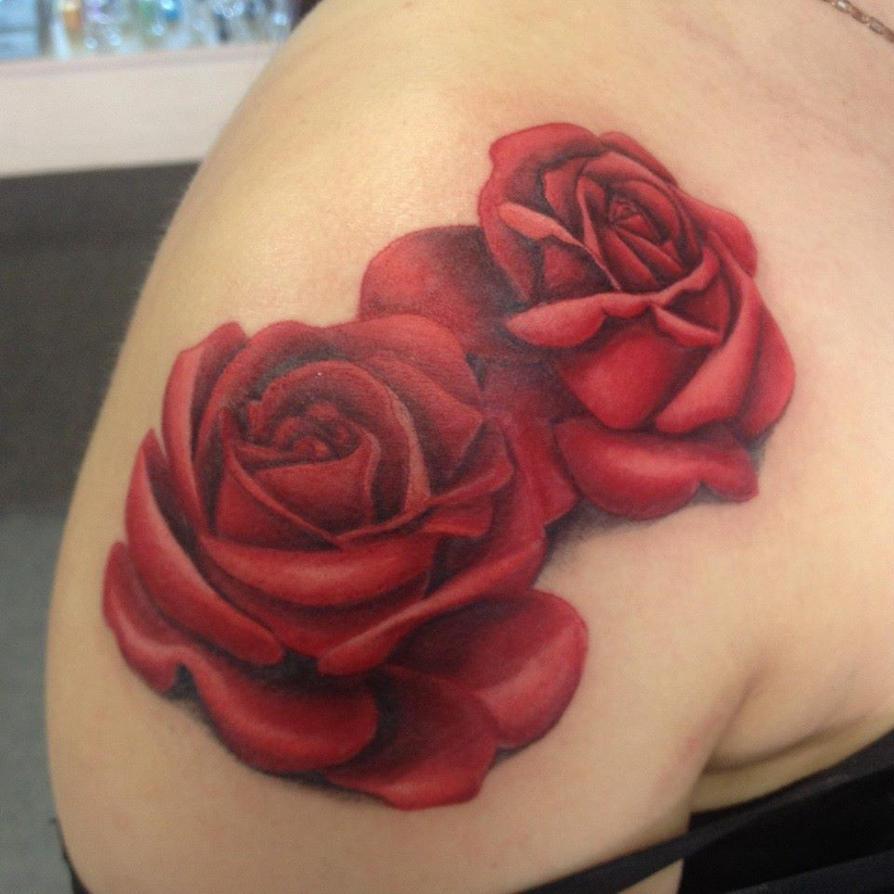 Тату розы на плече из двух роз