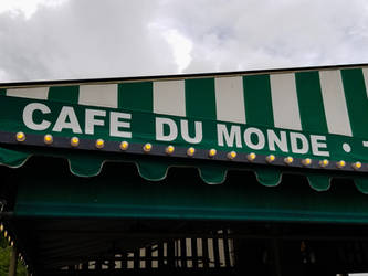 Cafe Du Monde by RenaissancePurple