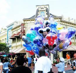Disney balloons by Thetimeofourlives