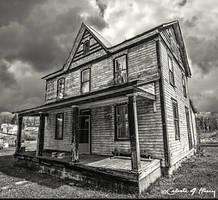 Abandoned House BW by cjheery