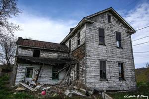 Abandoned House by cjheery