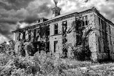 Abandoned Mental Asylum - Building One by cjheery