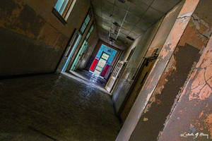 Abandoned School - Hallway by cjheery
