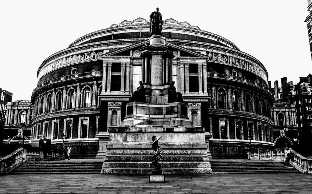 Royal Albert Hall by Lorenaenglish