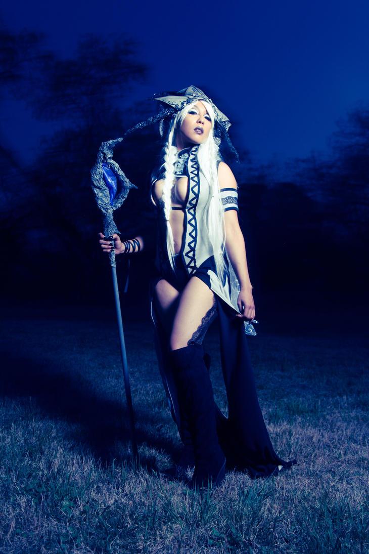 Night Queen by OoEdenXoO