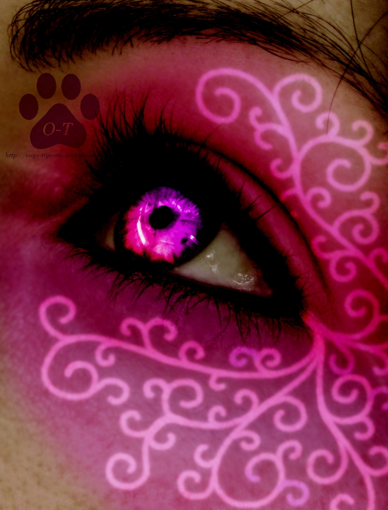 Swirlyz by Onyx-Tigeress