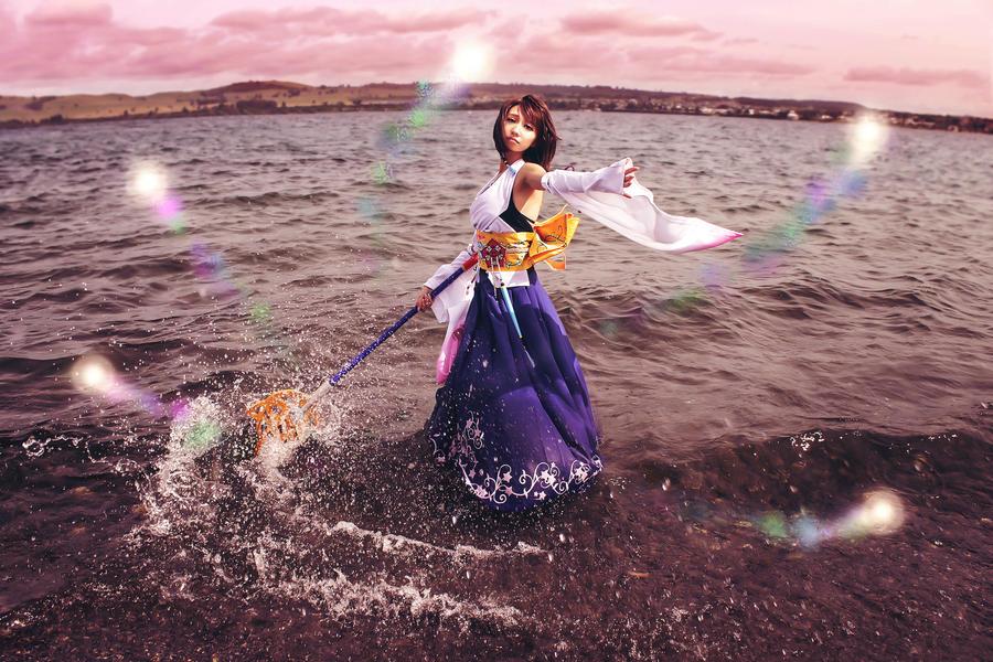 Final Fantasy X Summoner Yuna Cosplay