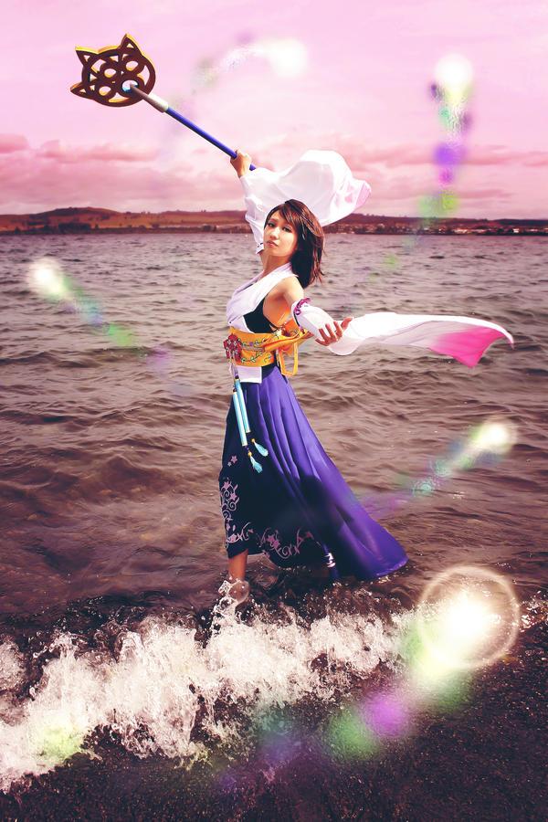 Final Fantasy X Summoner Yuna Cosplay by Fantalusy on ...