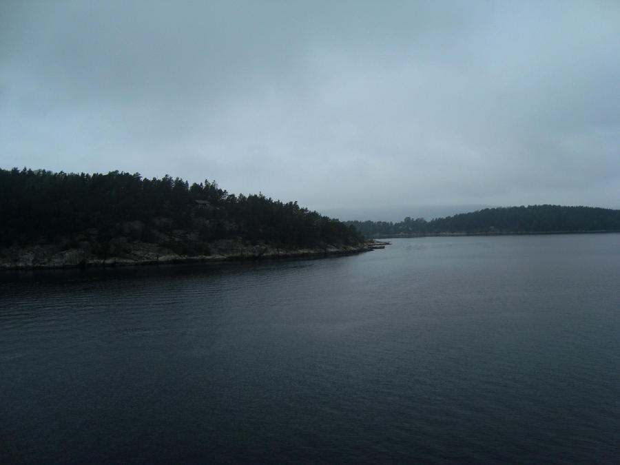 Oslofjord IV by dwarfeater