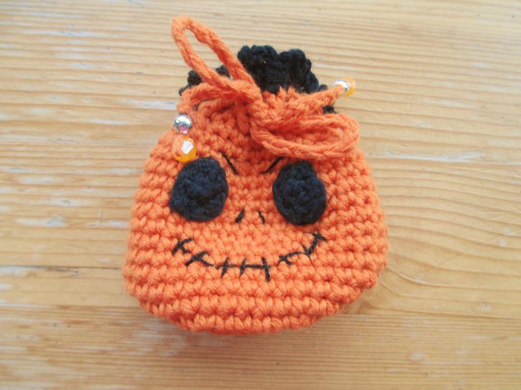 Halloween: Jack O' Lantern Pumpkin Drawstring Bag by fourthimbles