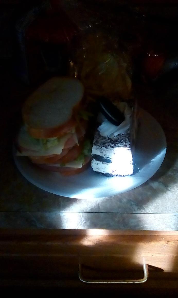 Sandwich Oreo Cake Suprise!!! by Xj16Damoni