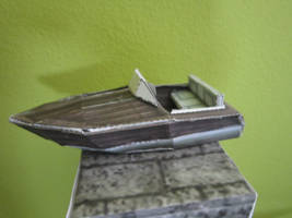 Tomb Raider II: Venice Motorboat Papercraft
