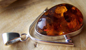 Amber Charm with Flakes v3