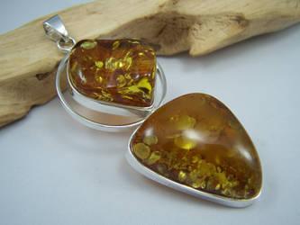 Amber Pendant v1 by MadOnion1