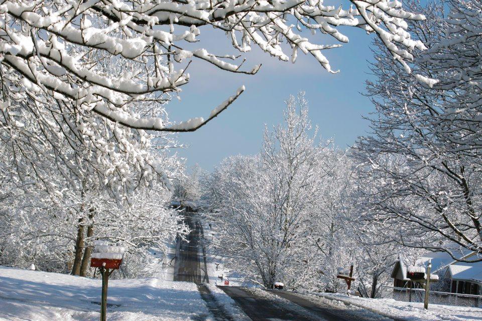 Snowy Neighborhood Stock Photos & Snowy Neighborhood Stock Images ...