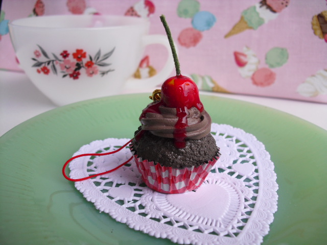 Chocolate Cherry Cupcake by kawaiifriendscafe
