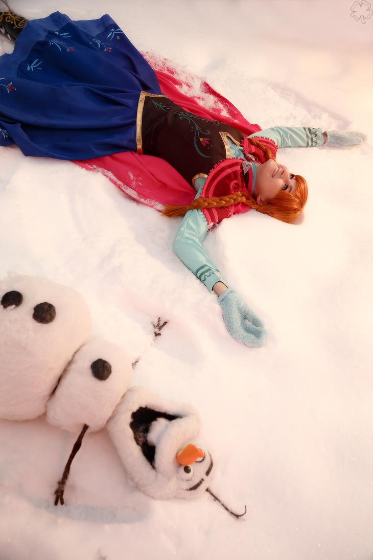Anna and Olaf by Likanda