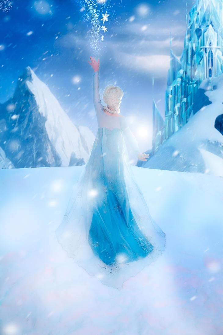 Queen Elsa by Likanda