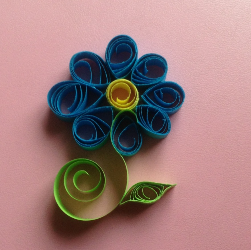The gallery for quilling flowers designs for Paper quilling paper