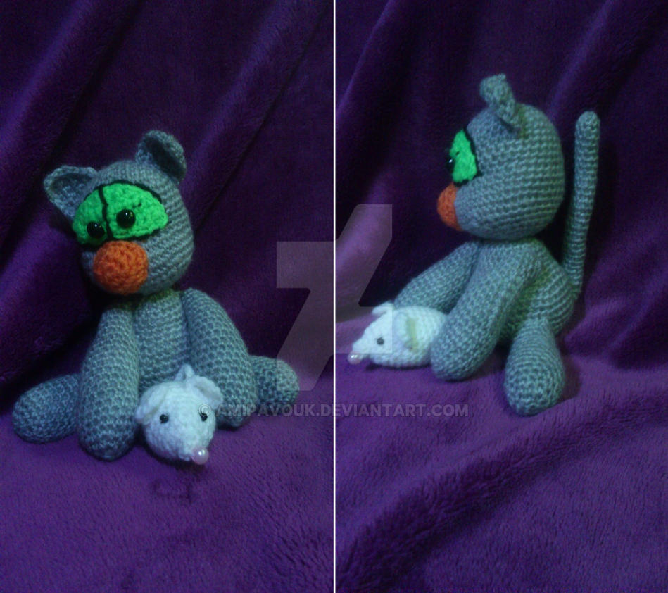 Amigurumi kitten with a mouse by AmiPavouk on DeviantArt