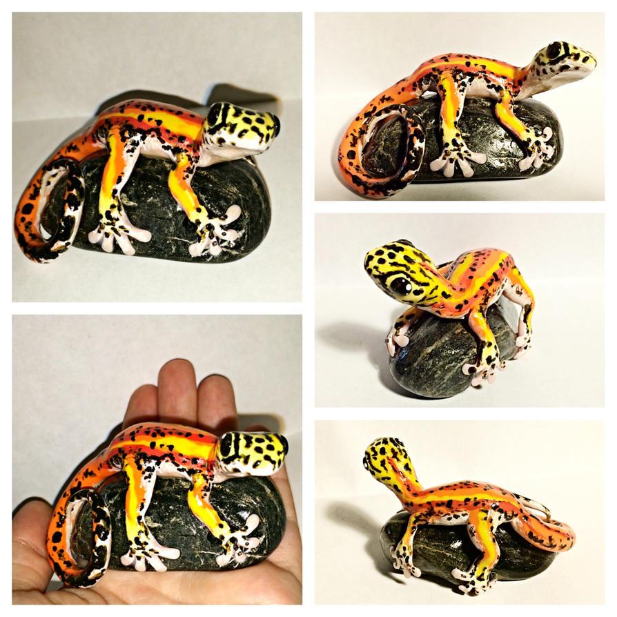 Fire Gecko by LittleCLUUs