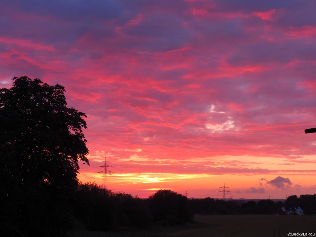 Sunset by BeckyLaRou