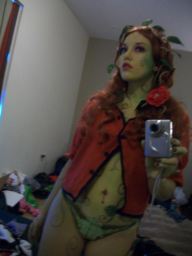 Poison Ivy Arkham Asylum Cosplay by AkiKogenho1 on DeviantArt