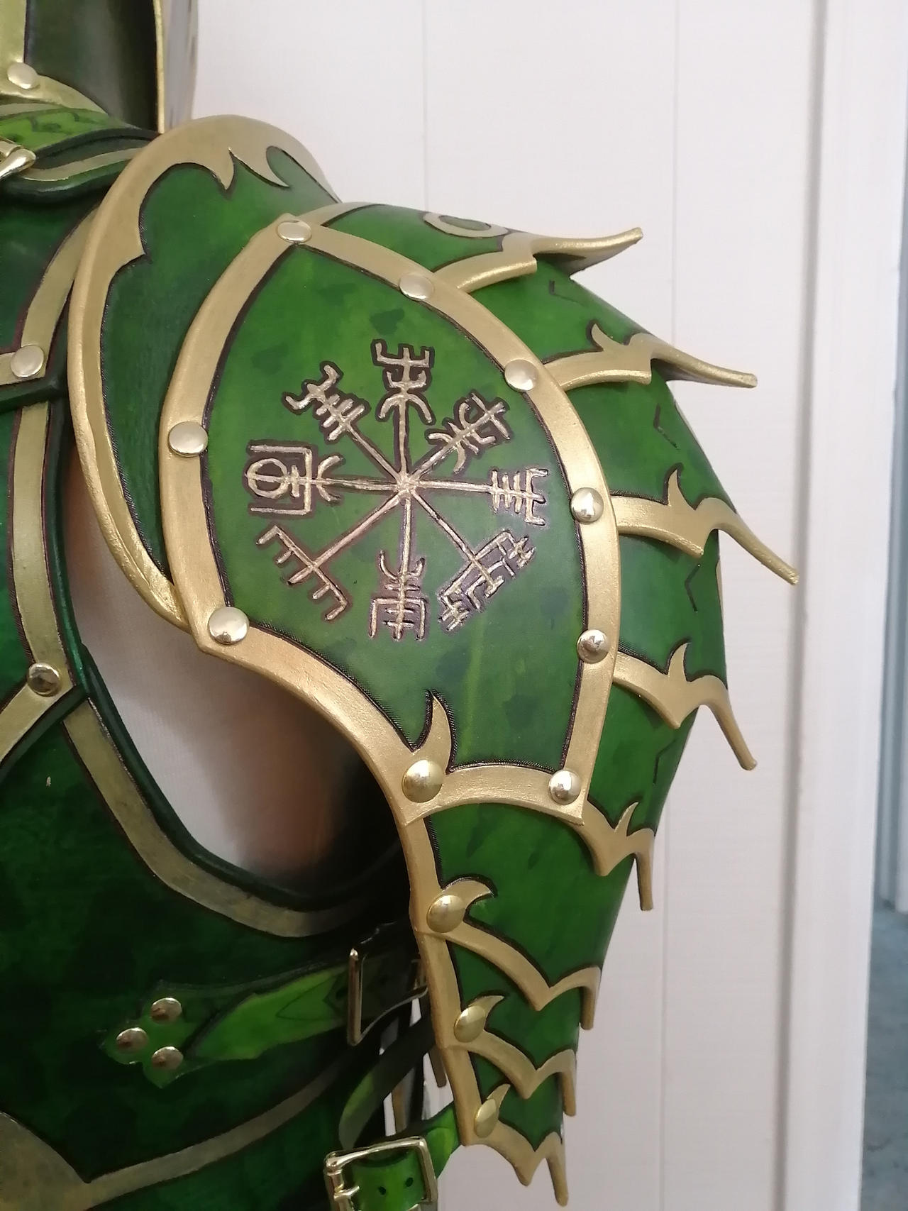 Green Dragon Armor Spaulders Back By Dragonlordvet On Deviantart With case, unopened box, limited edition, with stand. deviantart