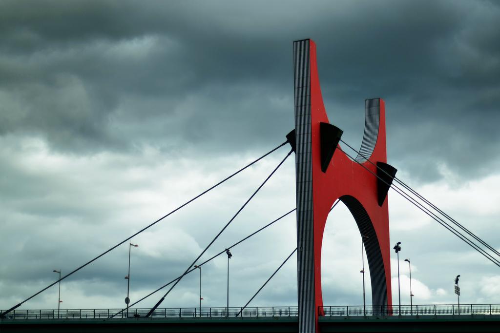 Puente de la Salve by Fiograph