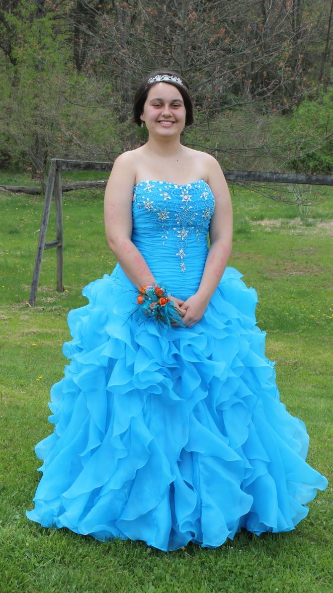 My prom dress last year :) by YourAngelofLight