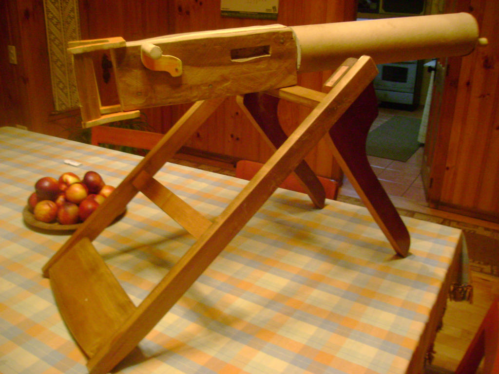 Wooden Machinegun by Shabazik