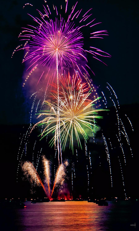 Fireworks 26 by HodoPhoto