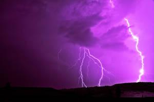 Purple lightning by Vultilion