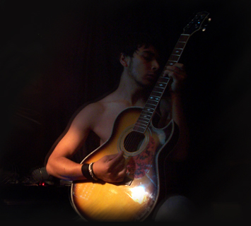 I play a live..with.. .my by amorfkin