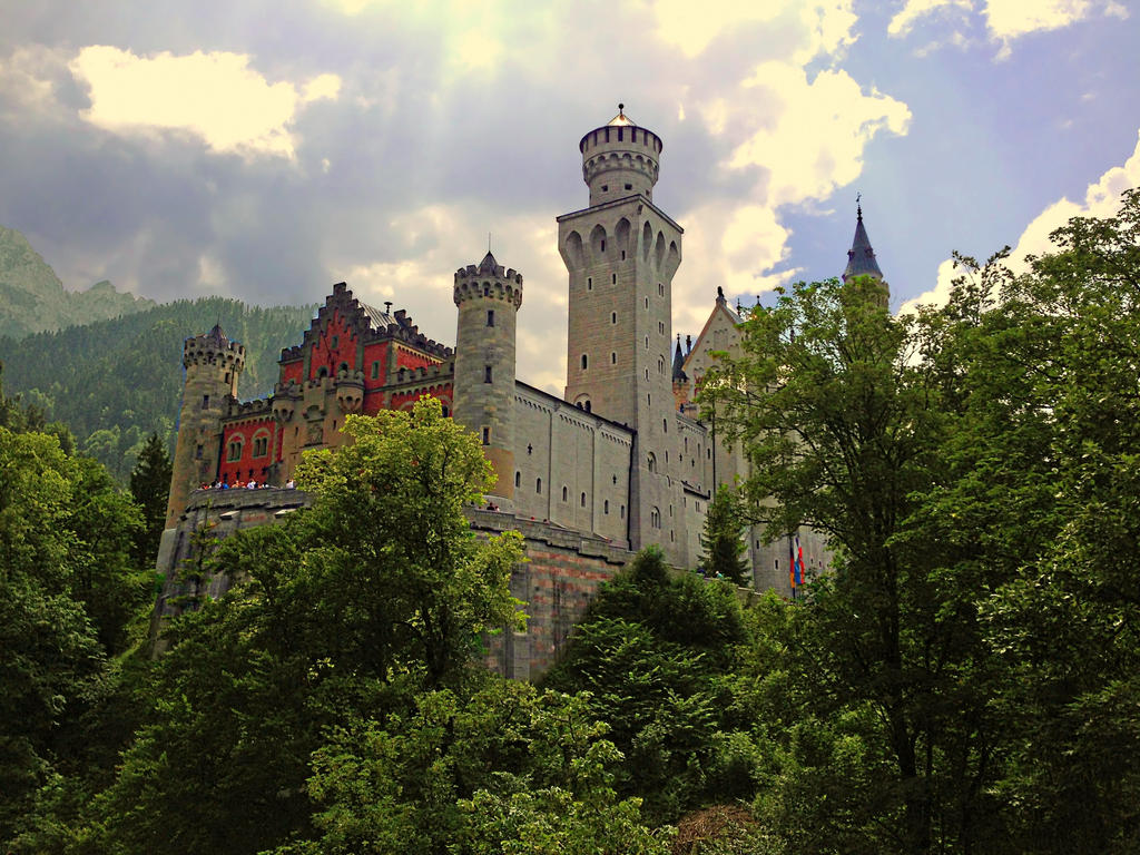 Neuschwanstein2 by EZReader111