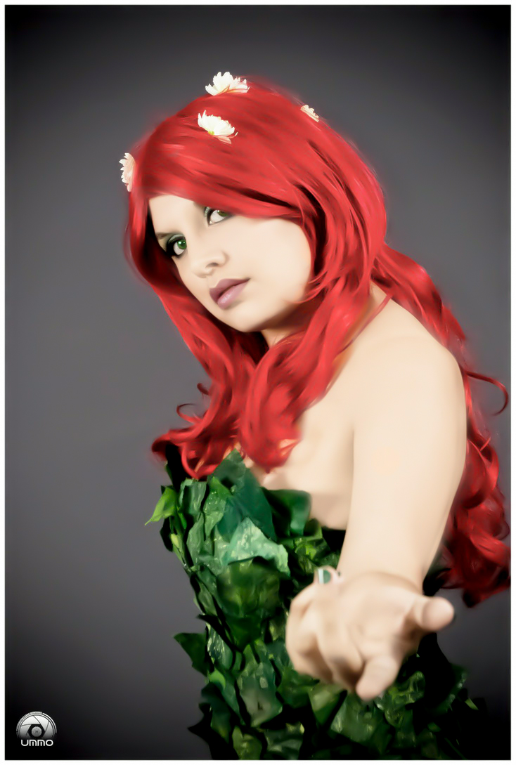 Poison Ivy Cosplay by YutarnaThetys