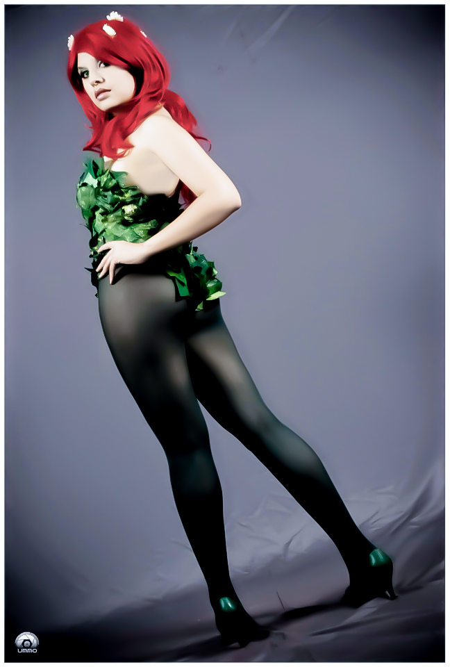 Poison Ivy Cosplay II by YutarnaThetys