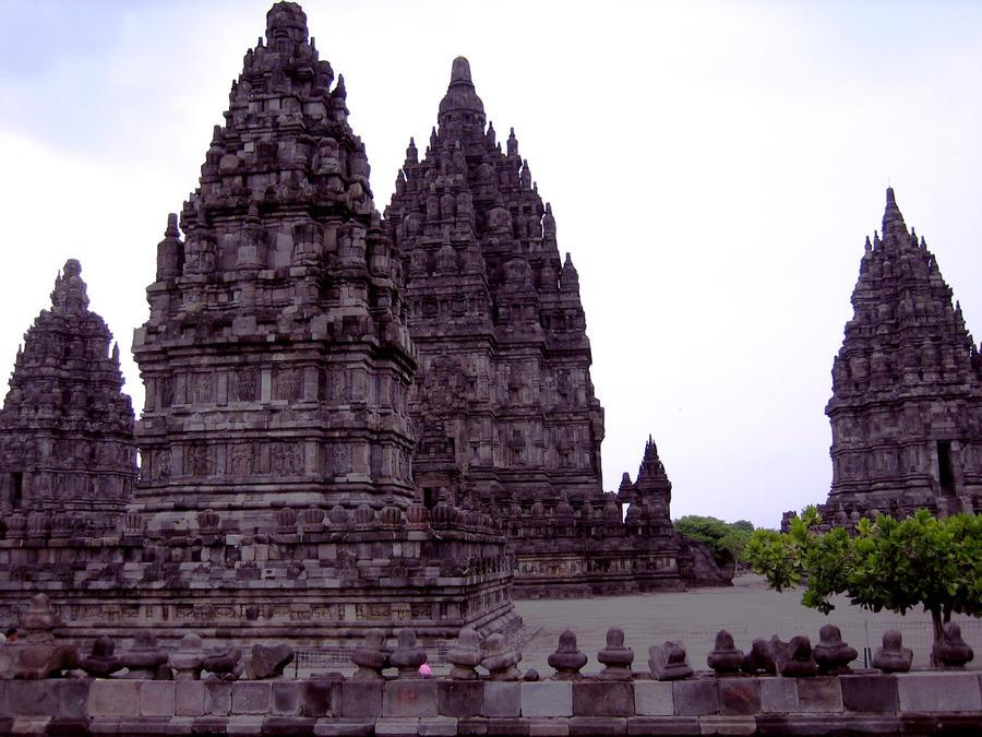 Prambanan Temple, Indonesia by arinanoviani