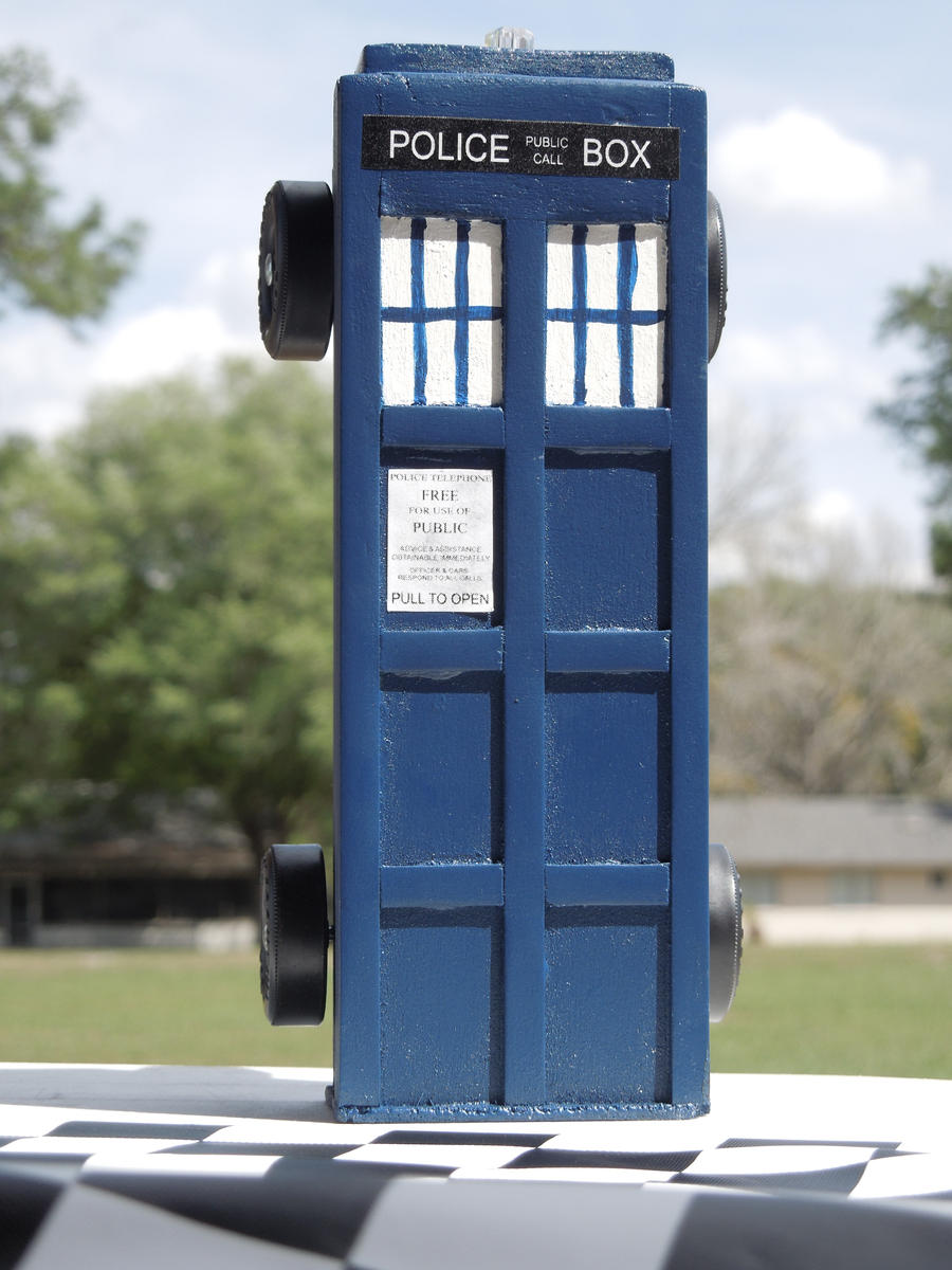 Pinewood Derby TARDIS by Timestitcher