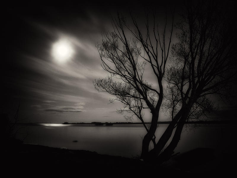 Moon by klaic