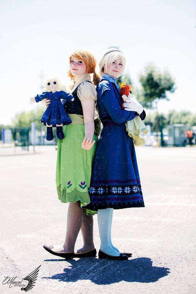 Anna and Elsa - Child by Childishx