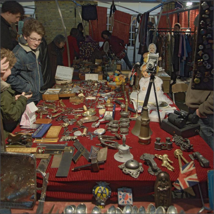 Flea Market in Greenwich by NikolaiMalykh