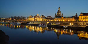 Dresden gespiegelt by DrAzraelTod