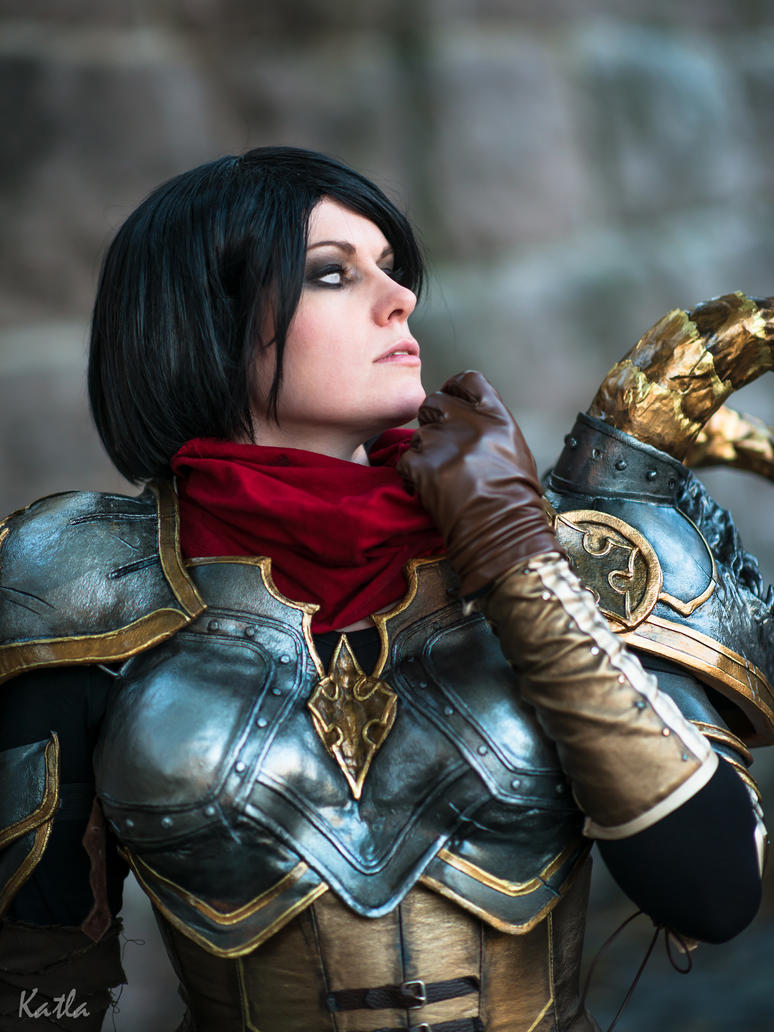 Diablo 3 Demon Hunter cosplay by ChrixDesign