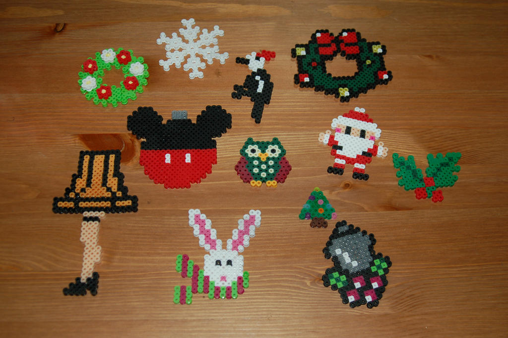 Christmas 2016 Perler Part 1 by evilpika